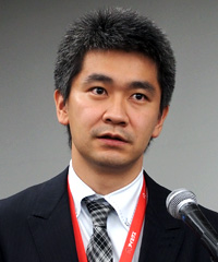 井上隆輔氏